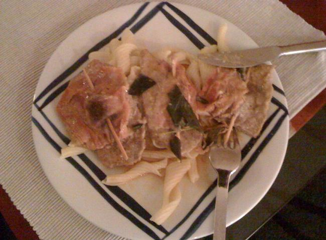 Kalbsschnitzel ala Saltimbocca in Weißweinsauce
