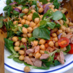 Kichererbsen-Thunfisch-Salat: schnell und lecker zum Grillen