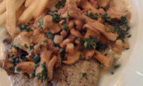 Frische Pfifferlinge mit Kalbsschnitzel
