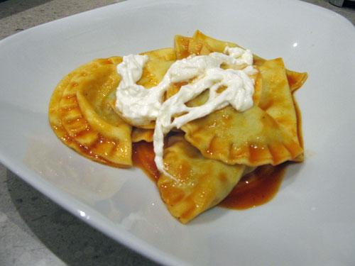 Ravioli mit Burrata Topping - zum Reinlegen Essen