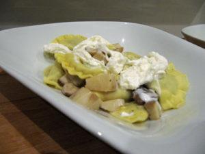 Steinpilz-Ravioli mit Burrata