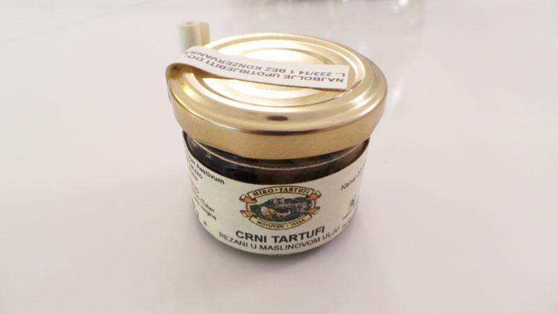 Diesen schwarzen Trüffel im Glas bringe ich mir immer von Miro Tartufi Motovu, Motovun, mit.