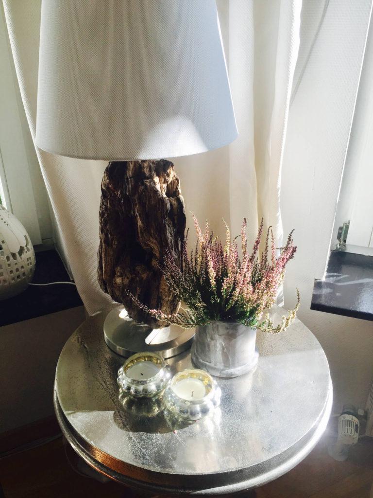 Die Lampe Gibt Es So Nicht Von Der Stange. Ich Habe Sie Designt. Es Handelt  Sich Dabei Um Eine Einfache Lampe Von Ikea Und Ein Wunderschönes Stück  Holz, ...
