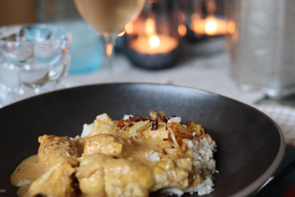 Indisches Hähnchencurry (DAHI MURG) verbunden mit schönen Erinnerungen Essen